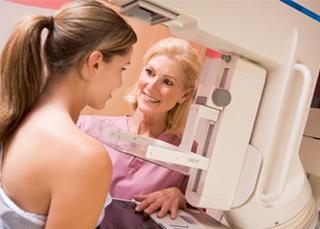 """Cancer du sein : le dépistage gratuit pour les femmes """"à risque"""""""