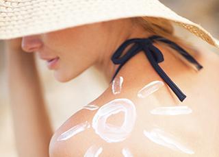 Soleil et prévention : protégez votre peau pendant vos vacances d'été !